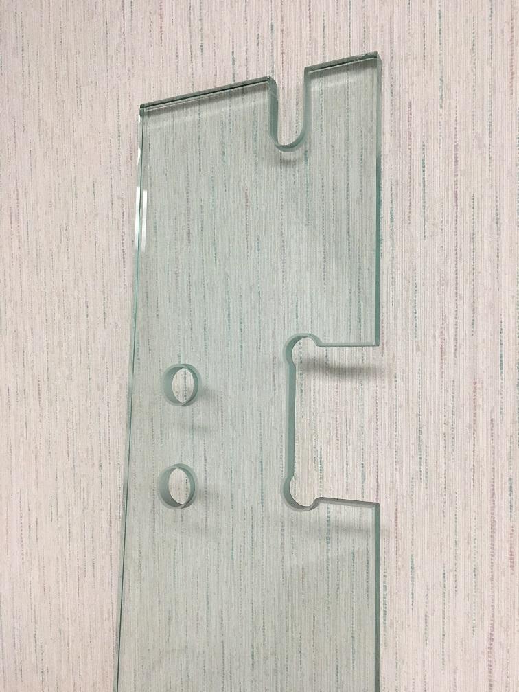 Обработка стекла: вырезы в стекле